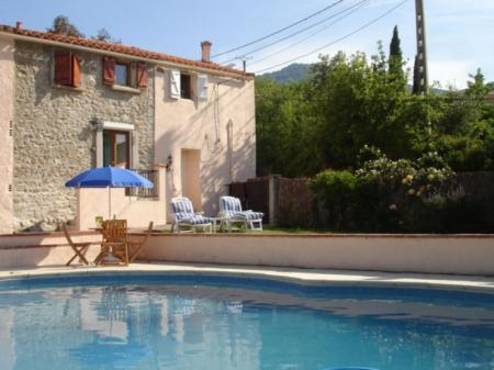Character Cottage Des Alberes with Swimming Pool, near Argeles and Collioure